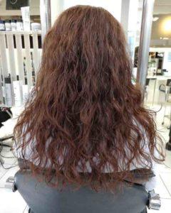 女性のくせ毛のスタイリング例after